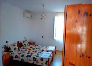Апартамент Зоя за 4 + 1 легла