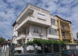 Къща за гости Славови