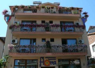 Къща за гости Флора