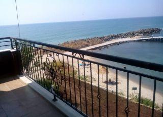 Апартамент Двустаен в к-с Акротирия, море