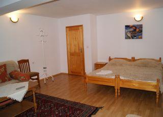 Квартира в Семейна къща