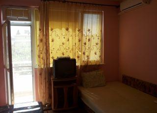 Квартира в къща