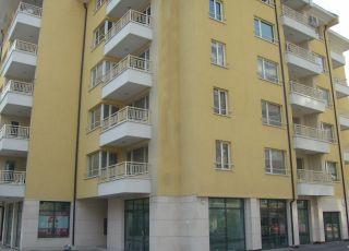 Апартамент Европа 132