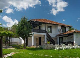 Къща Интрига