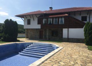 Къща Ястребино