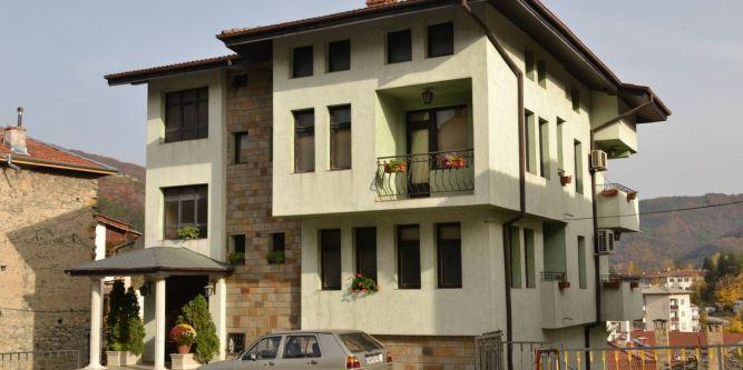 Апартамент Зелената къща