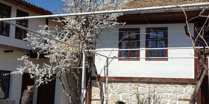 Къща Старата България