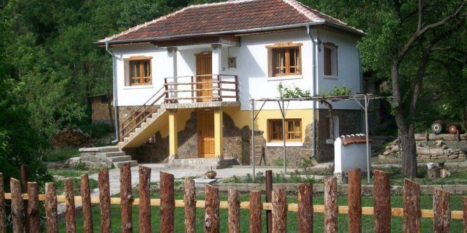 Къща   Феникс в с. Лява Река