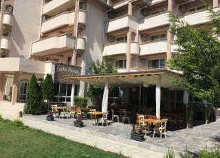Апарт хотел Лъки Фемили