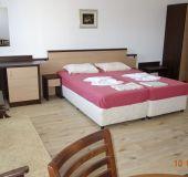 Family hotel Nev