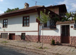 Къща Извора
