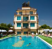 Hotel Salena Beach