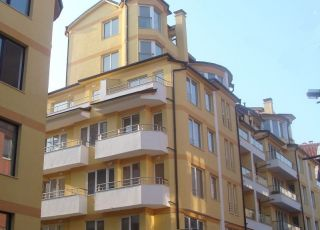 Апартамент Европа 46