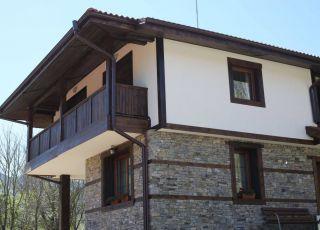 Къща Парил