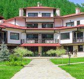 Hotel 10 houses