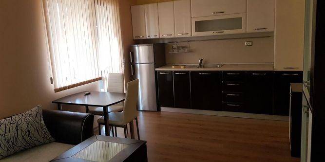 Апартамент до Клиника Св. Марина