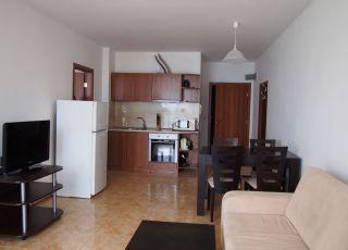Апартамент първа линия Ахелой 68