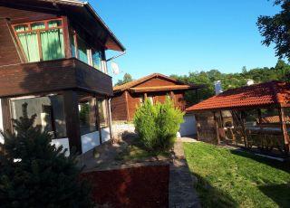 Къща за гости Поликсениа Петиня