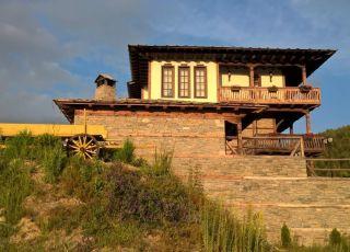 Лазовата къща