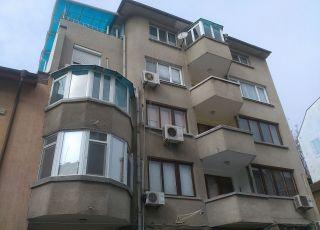 Апартамент Център