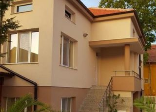 Къща за гости Вила Рос