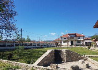 Къща Лилия