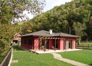 Ваканционни къщи Бояна и Вита