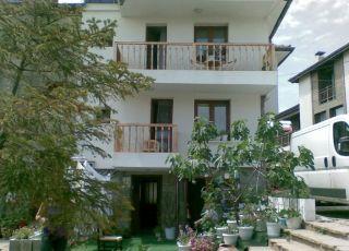 Къща за гости Фарлалиеви