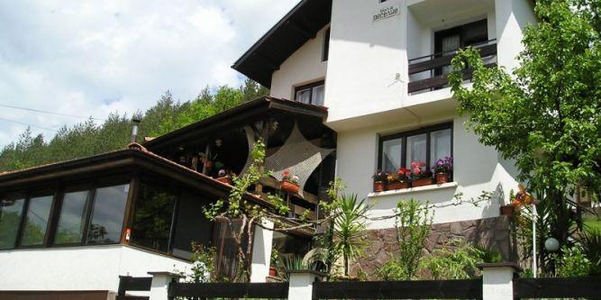 Къща Веселие