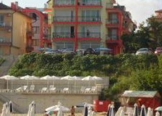 Семеен хотел Чарн - първа линия