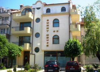 Семеен хотел Слънчевата къща