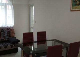 Апартамент - топ  център Варна