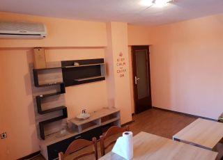 Двустаен апартамент в Лазур