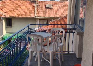 Семеен хотел Лира Сто