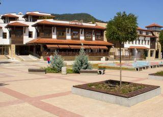 Хотел Етрополия