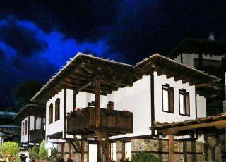 Белемезови къщи