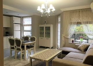 Апартамент Романтика-център