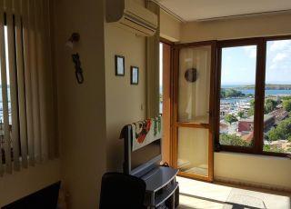 Апартамент с изглед към морето