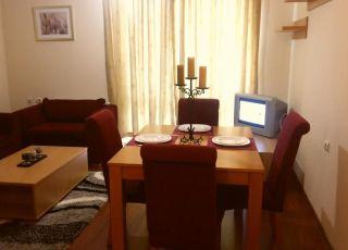Апартамент в комплекс Божурленд