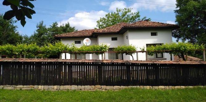 Стояновата Къща