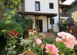 Къща за гости Оазис