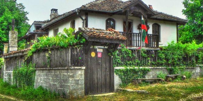 Къща за гости Искрица