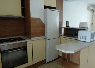 Апартамент Тристаен Топ център Варна