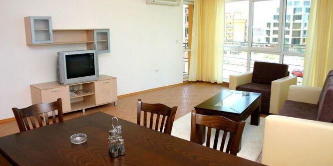Апартамент с 1 и 2 спални до плажа