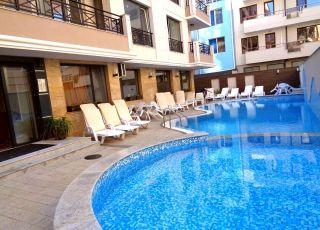 Апартамент в Голдън Сий Вю, до брега