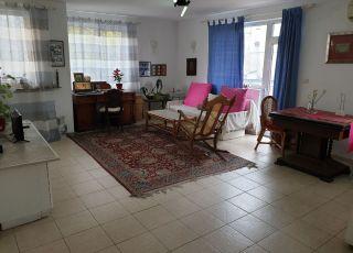 Апартамент Юли в идеален център