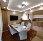 Apartment Lux Top Center