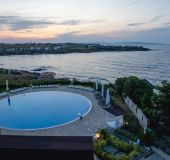 Apartment with magnificent views + pool