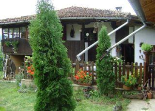 Трънковата къща