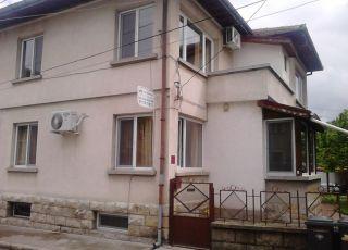 Къща Борова